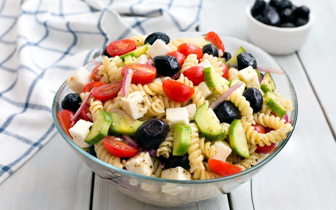 Pasta salad with tuna, capers and balsamic dressing