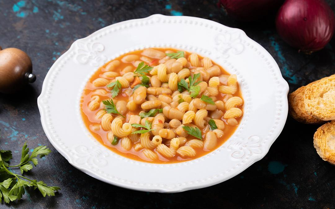Bean and pasta soup: a cuddle for the everyday menus